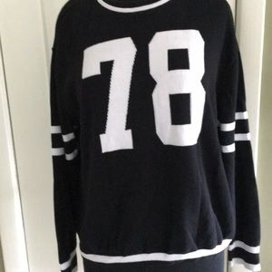 DIVIDED BY H&M SWEATER SIZE L